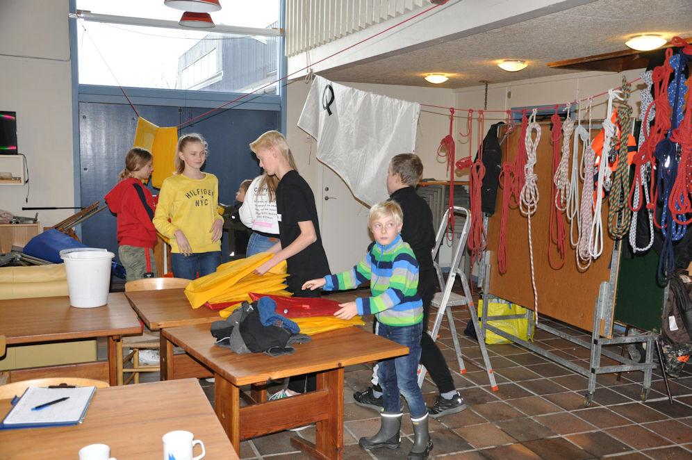19:00 Junior – Arbejde med bådene